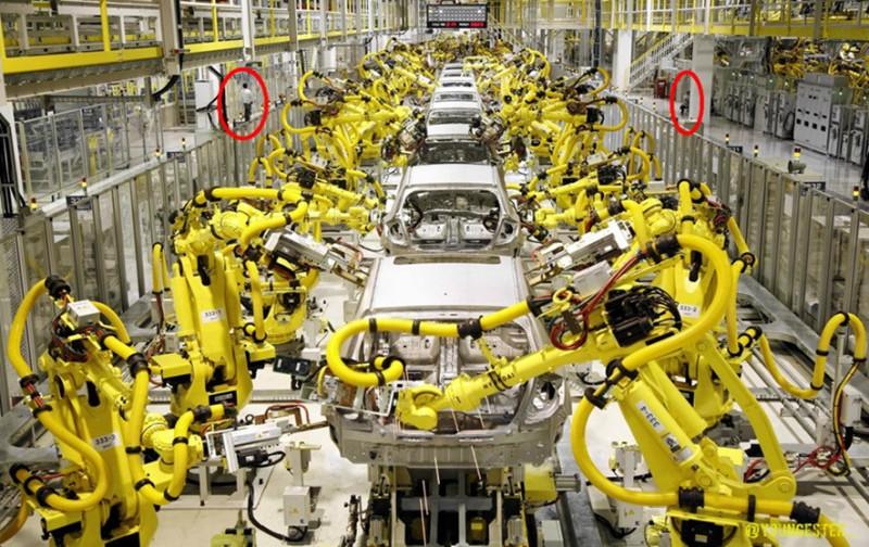 factoria-con-robotica